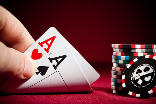 Hosting Poker Online Games